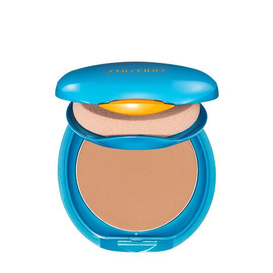 """<p><strong>Shiseido</strong></p><p>shiseido.com</p><p><strong>$30.00</strong></p><p><a href=""""https://go.redirectingat.com?id=74968X1596630&url=https%3A%2F%2Fwww.shiseido.com%2Fus%2Fen%2Fuv-protective-compact-foundation-refill-spf-36-0730852144446.html%3Fgclid%3DEAIaIQobChMI0LG4rZLw5wIVi56zCh37UQsHEAQYAiABEgK5QvD_BwE%26gclsrc%3Daw.ds%26ranMID%3D43599%26ranEAID%3DTnL5HPStwNw%26ranSiteID%3DTnL5HPStwNw-tW54_WCRzEEXTYz_v0B28Q&sref=https%3A%2F%2Fwww.elle.com%2Fbeauty%2Fg26527%2Fbest-face-sunscreen%2F"""" target=""""_blank"""">Shop Now</a></p><p>""""My favorite sunscreen, which I've used since I was a teenager, is Shiseido compact foundation. It's long lasting, looks amazing, and protects my face for hours. Another favorite is We Are Feel Good Inc <a href=""""https://www.wearefeelgoodinc.com.au/products/zinc"""" target=""""_blank"""">zinc sunscreen</a> for my face. When I'm surfing, I will use this by itself for max sun protection. It's smooth, tinted, and lasts for hours. When I'm just going to the beach or out in the sun, I will mix the zinc with my favorite foundation."""" —<em><a href=""""https://www.undonefilm.com/"""" target=""""_blank"""">Laura Enever</a>, professional surfer</em></p>"""