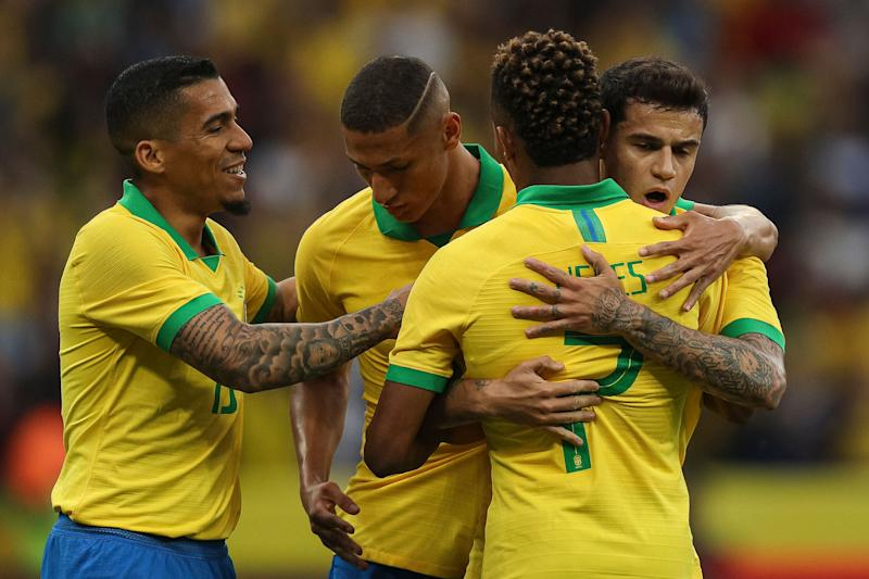 PORTO ALEGRE, BRAZIL - JUNE 09: Philippe Coutinho (R) of Brazil celebrates with his teammates after scoring the third goal of his team during the International Friendly Match between Brazil and Honduras at Beira Rio Stadium on June 9, 2019 in Porto Alegre, Brazil. (Photo by Buda Mendes/Getty Images)
