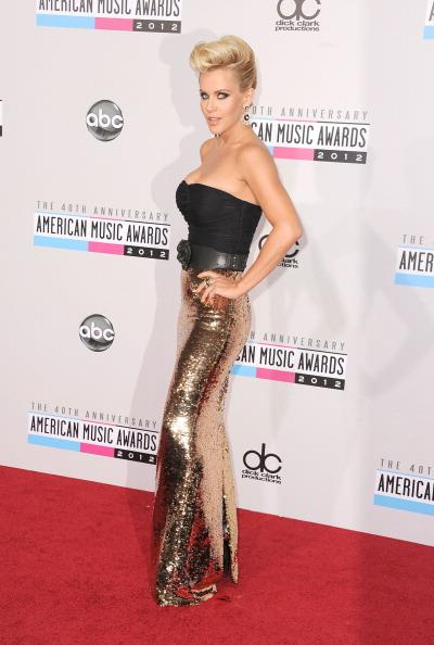 Jenny McCarthy arrives on the 2012 American Music Awards red carpet.
