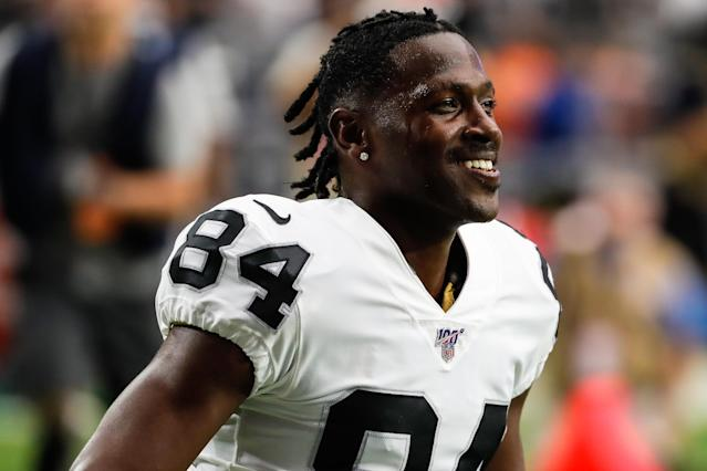 GLENDALE, AZ - AUGUST 15: Oakland Raiders wide receiver Antonio Brown (84) smiles before the NFL preseason football game between the Oakland Raiders and the Arizona Cardinals on August 15, 2019 at State Farm Stadium in Glendale, Arizona. (Photo by Kevin Abele/Icon Sportswire via Getty Images)