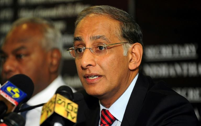 Haroon Lorgat (R) was chief executive of the International Cricket Council for four years from 2008