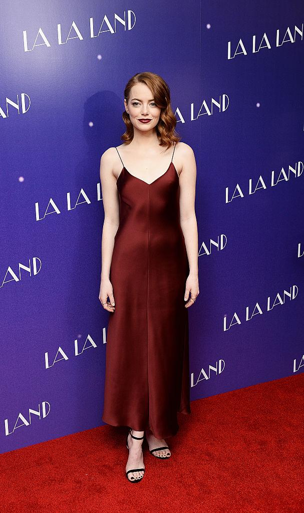 Emma Stone looked beautiful in maroon at the gala screening of