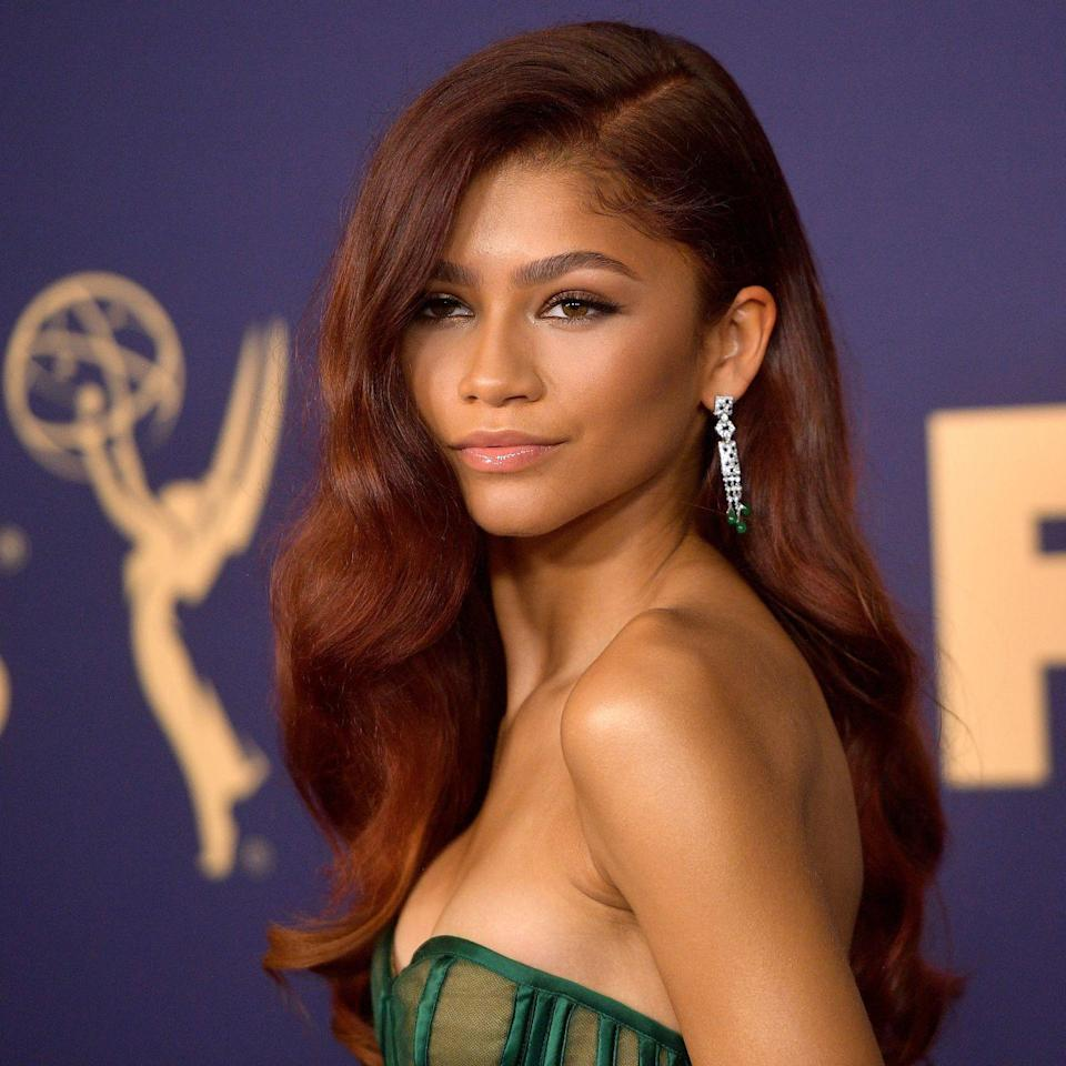 <p>A side part matched with bombshell waves gave an effortlessly glam vibe at the 71st Emmy Awards. </p>