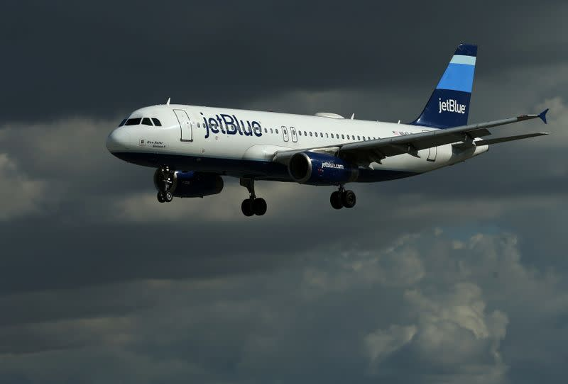 JetBlue to become carbon neutral in 2020