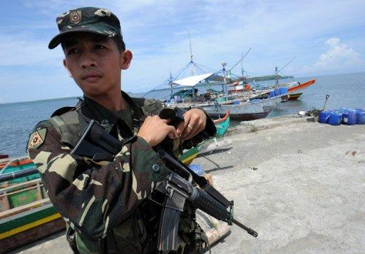 A Philippine Foreign Department spokesman said Aquino had ordered the vessels to leave the Scarborough Shoal on Friday