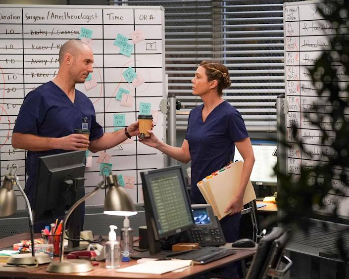 Richard Flood as Dr. Cormack Hayes with Ellen Pompeo as Meredith Grey