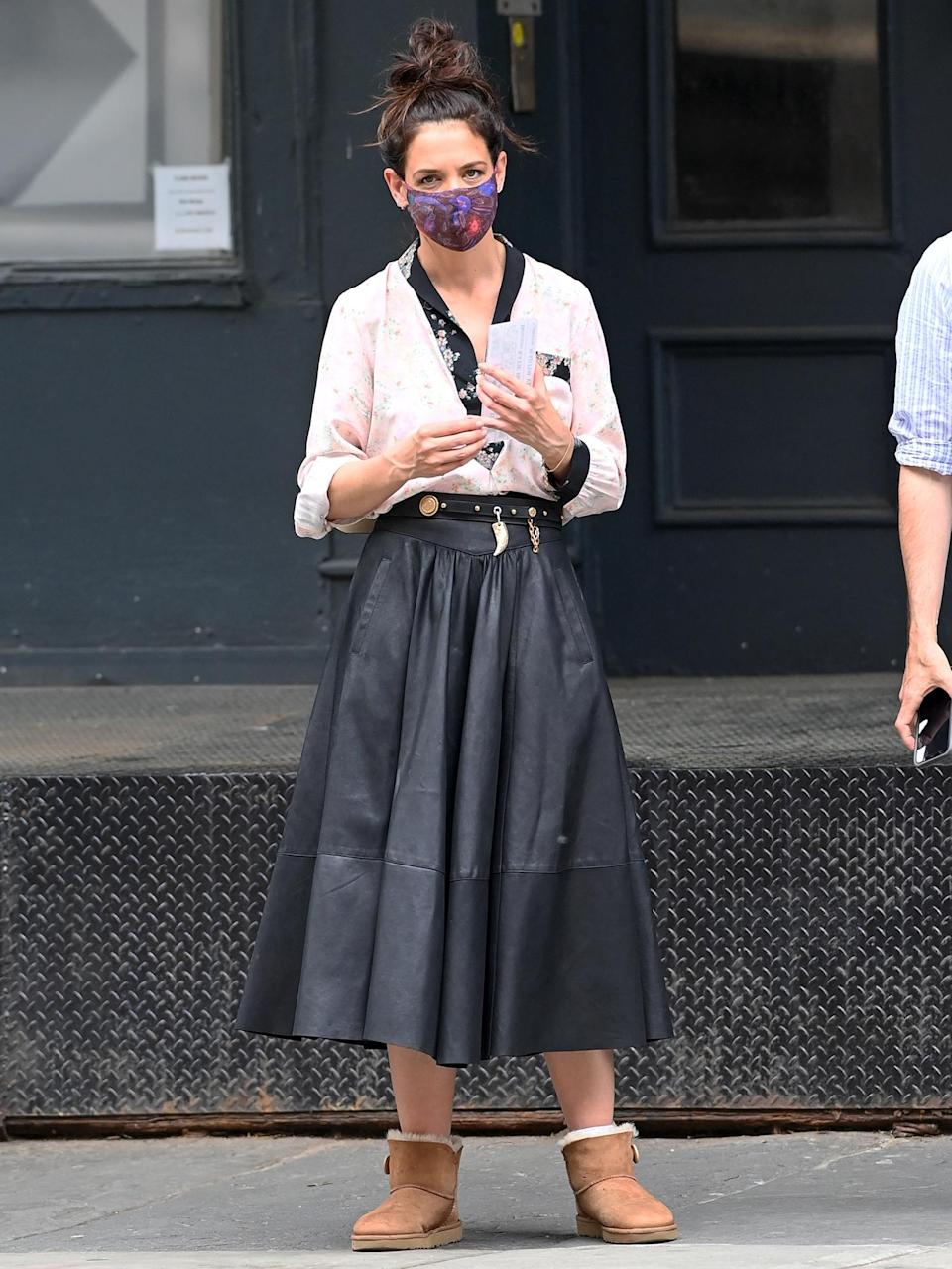 <p>Katie Holmes is seen on the set of <i>The Watergate Girl</i> in N.Y.C. on Monday. </p>