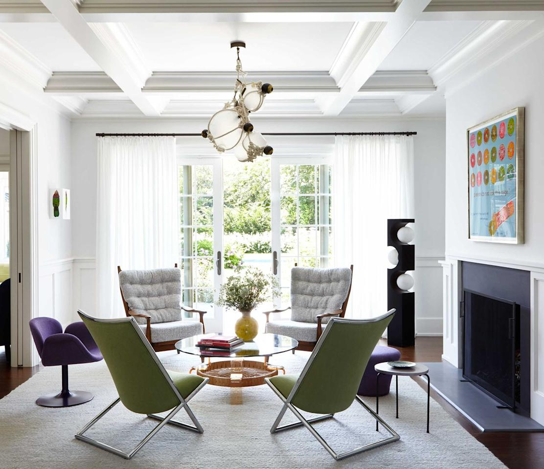 """<p>This neutral white is designer Timothy Brown's go-to when the decor skews modern, like in this Hamptons project: """"It's crisp, but it has depth."""" A neutral white is also perfect for showcasing art. """"There's a reason why galleries use pure white—any undertone will make the wall color noticeable,"""" says Gibbons.</p><p><a class=""""body-btn-link"""" href=""""https://www.benjaminmoore.com/en-us/color-overview/find-your-color/color/oc-149/decorators-white?color=OC-149"""" target=""""_blank"""">BUY NOW</a></p>"""