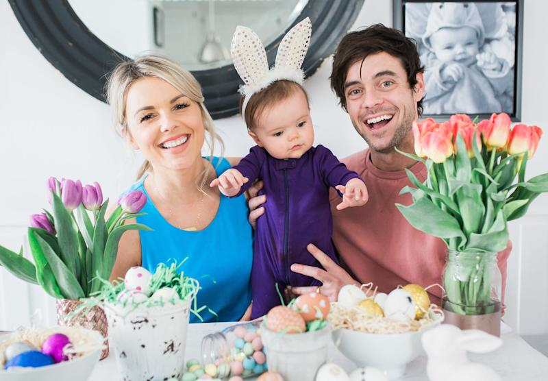 Ali Fedotowsky-Manno's Egg-Decorating Hack Is Mess-Free and Beyond GENIUS