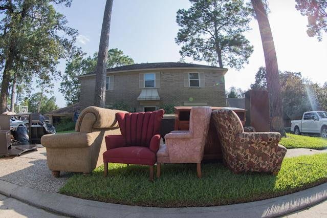 <p>Love sofas are sitting outside in the sun to dry off as owners start to take flooded belongings to be dried after Hurricane Harvey, Thursday, August 31, 2017 in Baytown, TX. (Photo: Juan DeLeon/Icon Sportswire via Getty Images) </p>