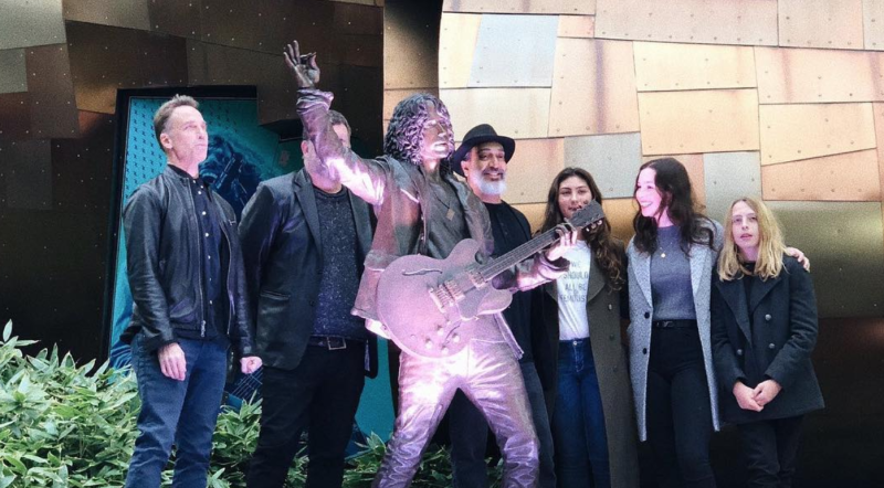Chris Cornell statue unveiled in Seattle