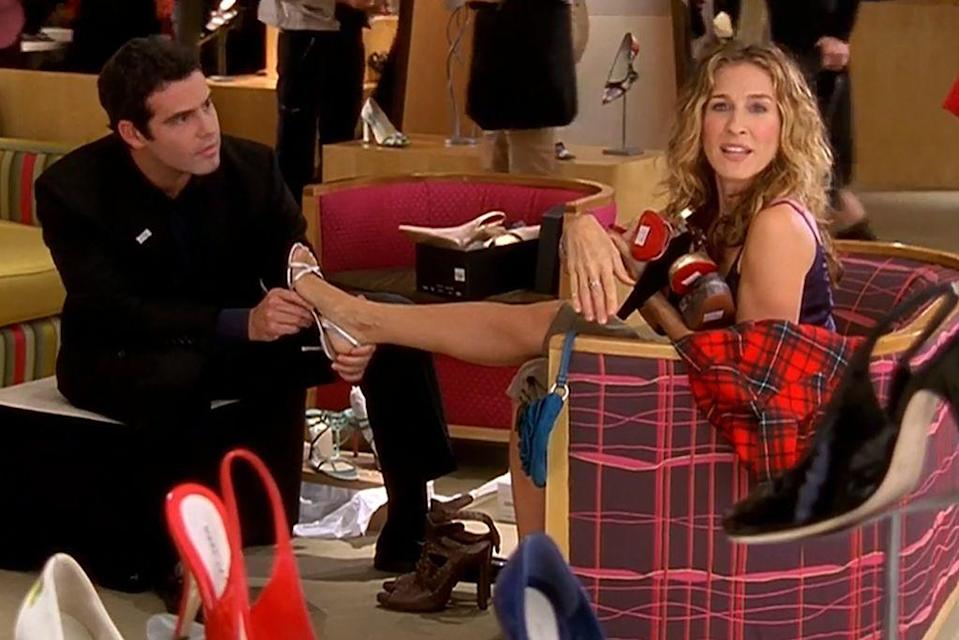 "<p>You may have glazed past the shoe salesman in the ""All That Glitters"" episode. If you take a closer look, it's none other than Andy Cohen, who made a cameo appearance back in the fourth season.<span class=""redactor-invisible-space""> SJP and the</span> star of Bravo's <em>Watch What Happens Live </em><span class=""redactor-invisible-space"">have been great friends ever since—even accompanying each other to <a href=""https://www.marieclaire.com/culture/news/g3666/met-gala-dresses-2016/"" rel=""nofollow noopener"" target=""_blank"" data-ylk=""slk:The Met Gala"" class=""link rapid-noclick-resp"">The Met Gala</a> throughout the years. </span></p>"