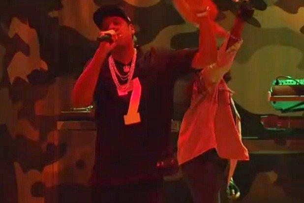 detailed look 7f28c 87445 SNL': Jay-Z Wears Colin Kaepernick Jersey During Musical ...