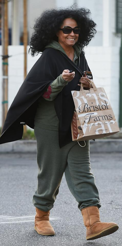 "<p>The iconic singer looked <em>supremely</em> comfortable last Friday when she made a Los Angeles grocery run in a set of chestnut Uggs ($160; <a rel=""nofollow"" href=""http://www.anrdoezrs.net/links/7799179/type/dlg/sid/ISUggsDianaRossIJJan/fragment/start%3D1%26cgid%3Dwomen-boots-classic-boots/http://www.ugg.com/women-boots-classic-boots/classic-short-ii/1016223.html?dwvar_1016223_color=CHE"">ugg.com</a>). Ain't no mountain high enough to keep Ross from her cozy footwear!</p>"