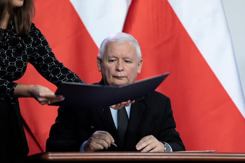 Law and Justice leader Jaroslaw Kaczynski signs coalition agreement in Warsaw
