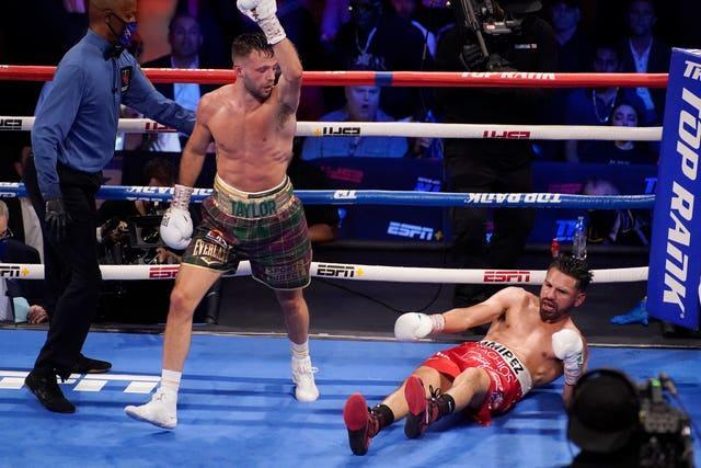 Hibs fan Josh Taylor was able to forget their cup final defeat by scoring a unanimous points win over Jose Ramirez to become Scotland's first undisputed world champion for 50 years and only the fifth person to simultaneously hold all titles since the four-belt era officially began in 2004