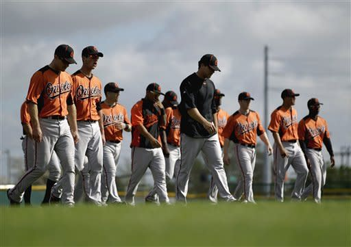 O's Matusz pitches 2 innings in first spring game