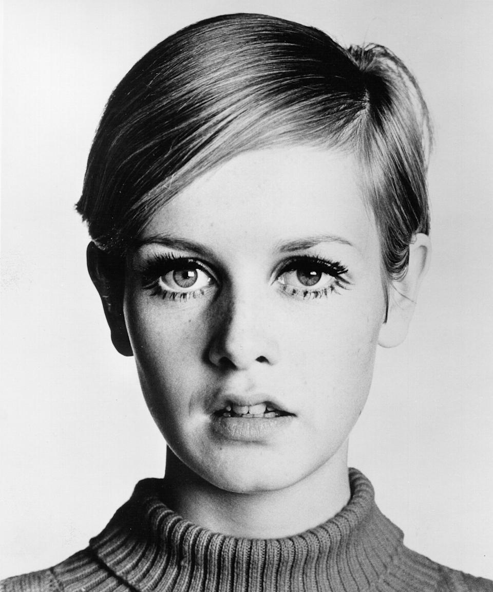 "<h3>Twiggy</h3> <br><br>If your hair is blonde and short, channeling Twiggy is totally doable with a little <a href=""https://www.refinery29.com/en-us/fine-hair-products"" rel=""nofollow noopener"" target=""_blank"" data-ylk=""slk:styling mousse"" class=""link rapid-noclick-resp"">styling mousse</a>, a side part, and <a href=""https://www.refinery29.com/en-us/2018/06/200533/best-rated-cheap-mascara-review"" rel=""nofollow noopener"" target=""_blank"" data-ylk=""slk:mascara"" class=""link rapid-noclick-resp"">mascara</a> dotted across your lower lash line.<span class=""copyright"">Photo: Michael Ochs Archives/Getty Images.</span>"