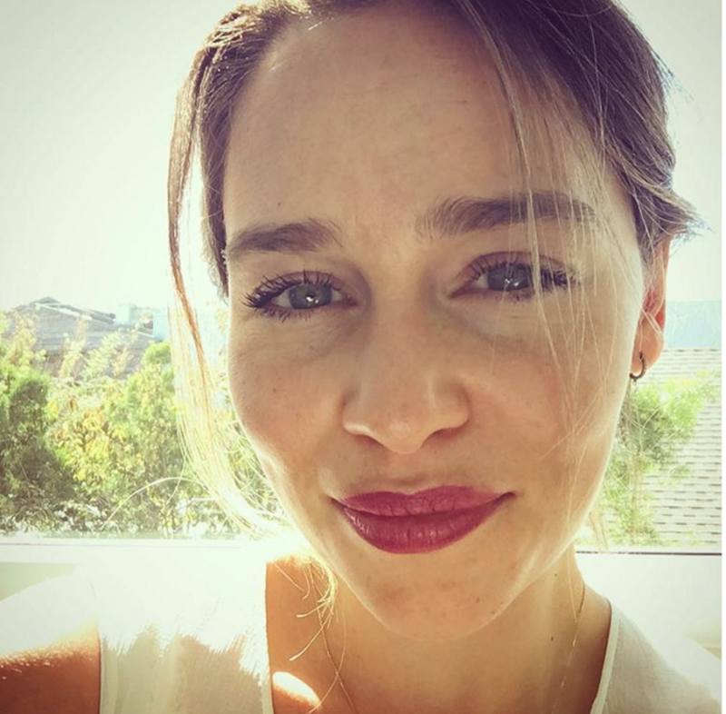 emilia clarke s instagram should be giving game of thrones fans life right now. Black Bedroom Furniture Sets. Home Design Ideas
