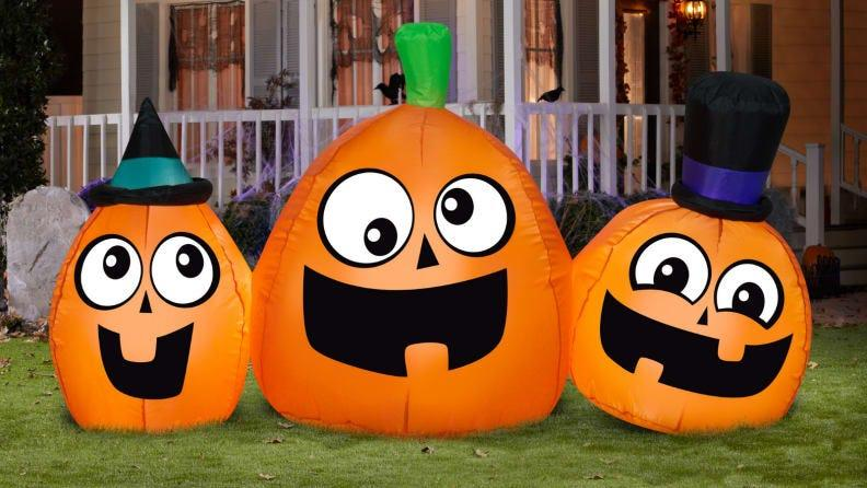 Just TRY not to smile when you look at these pumpkins.