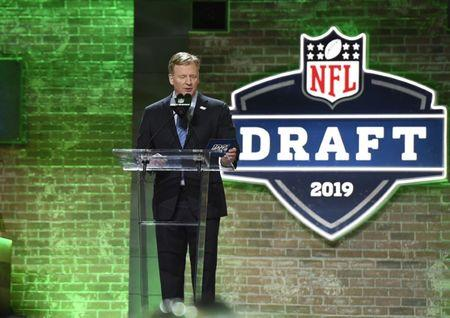 Apr 25, 2019; Nashville, TN, USA; NFL commissioner Roger Goodell announces a pick during the 2019 NFL Draft in Downtown Nashville. Mandatory Credit: Douglas DeFelice-USA TODAY Sports