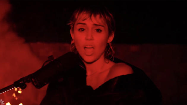 Miley Cyrus Perform on Pink Floyd's 'Wish You Were Here' on SNL