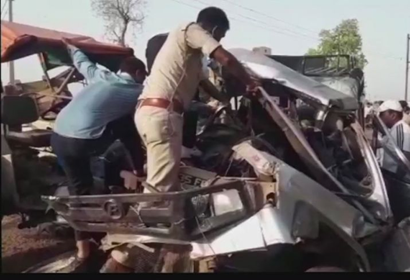 12 Killed on Way to Relative's Funeral as Sand-Laden Tractor Crashes Into Jeep in MP