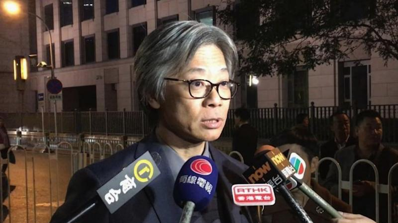 Hong Kong journalist group urges local media chiefs to explain why reports carrying controversial remarks were removed