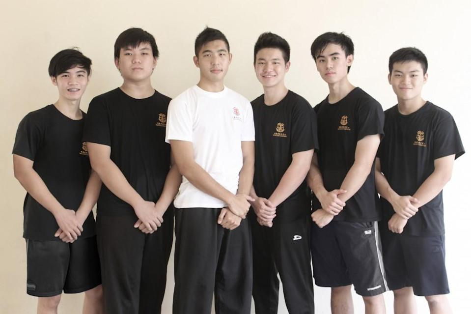 Instructor Daryl Yeo gathers up some of his Wing Chun students. (Image Credit: Emily Mok Hui Xin)