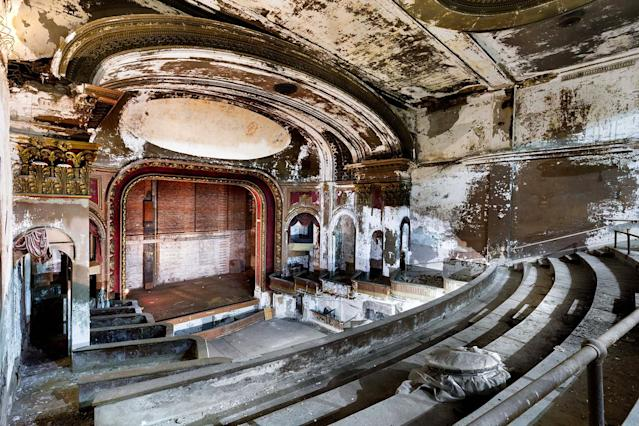 """<p>""""Nothing makes me happier than seeing one of the places I've photographed restored and reused,"""" he said. """"I try to work with organizations that are trying to restore theatres whenever I can."""" (Photo: Matt Lambros/Caters News) </p>"""