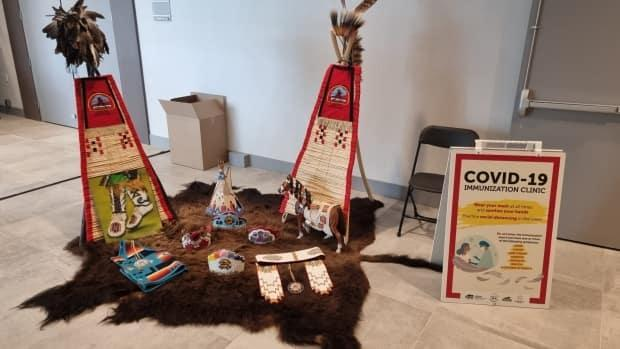 The Aboriginal Friendship Centre of Calgary has an ongoing vaccine clinic that is in partnership with Siksika Health Services, Awo Taan Healing Lodge Society, Okaki, and Seven Brother Circle. (Submitted by the NAFC - image credit)