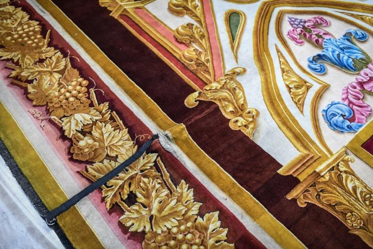 The tapestry will now undergo an extensive restoration