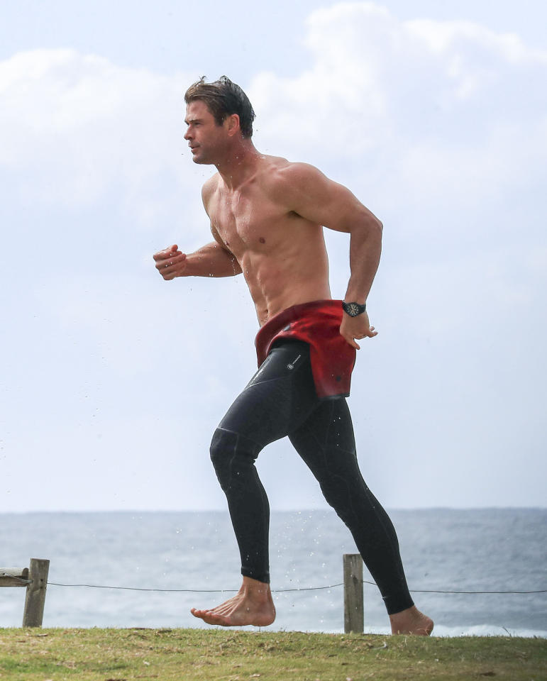 <p>Giving the Hoff a run for his money with that Baywatch-style run. <br />Source: Media Mode </p>