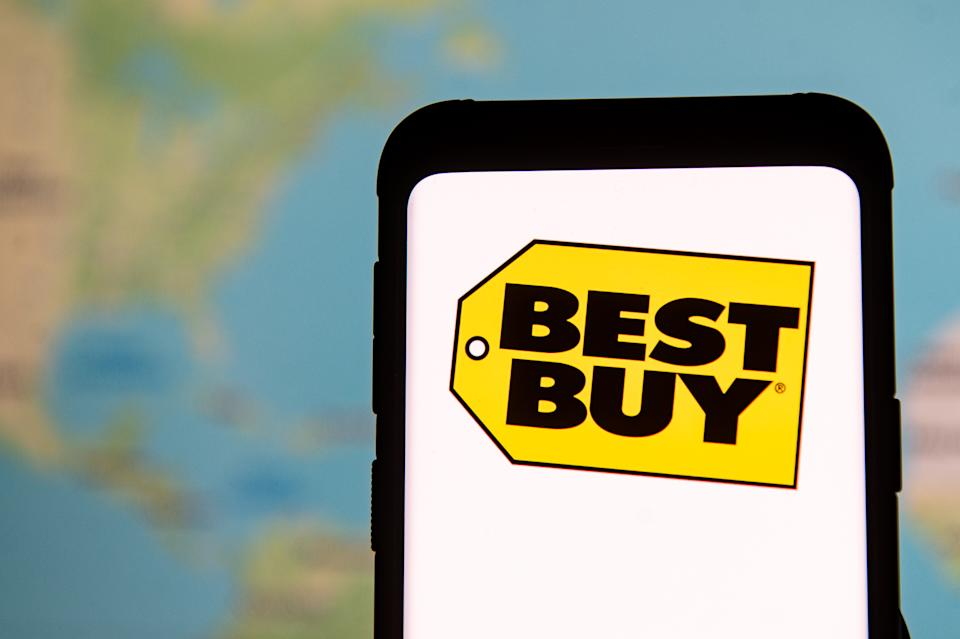 POLAND - 2020/03/23: In this photo illustration a Best Buy logo seen displayed on a smartphone. (Photo Illustration by Mateusz Slodkowski/SOPA Images/LightRocket via Getty Images)