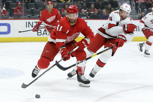 Hurricanes' Williams retires as 3-time Stanley Cup champion