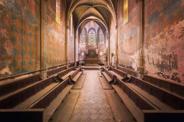 <p>Once brilliant, the polychrome frescoes of this church are slowly peeling off. (Photo: Roman Robroek/Caters News) </p>