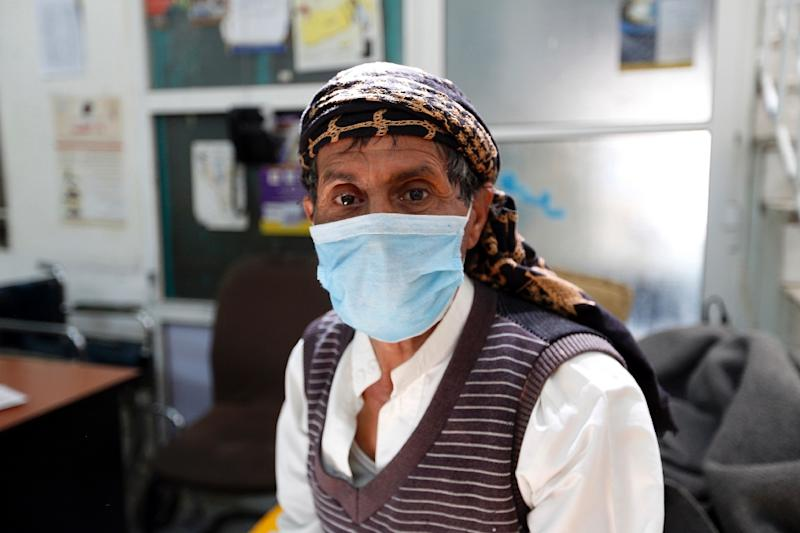 A cholera outbreak in war-torn Yemen has killed 115 people and left 8,500 ill, the Red Cross says