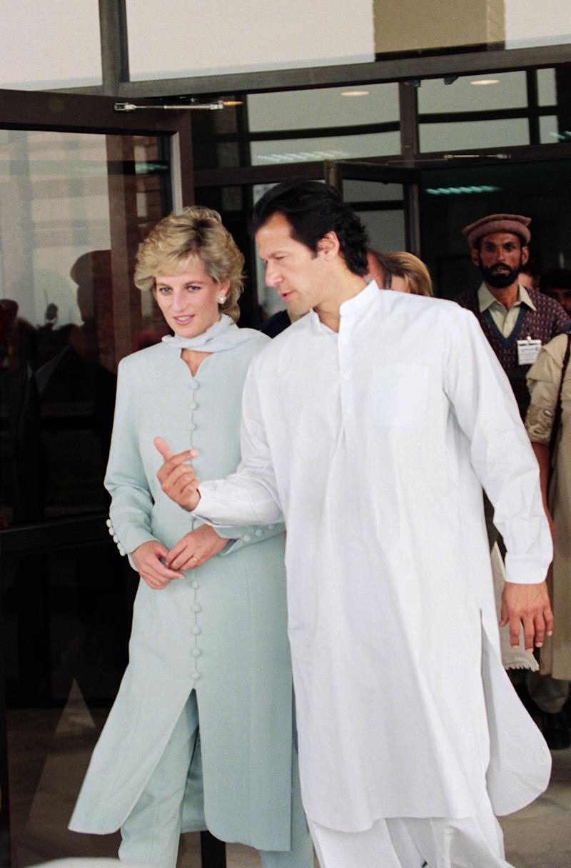 PAKISTAN - JUNE 22: Diana, Princess of Wales with Imran Khan at Shaukat Khanum Hospital in Lahore, Pakistan (Photo by Tim Graham Picture Library/Getty Images)