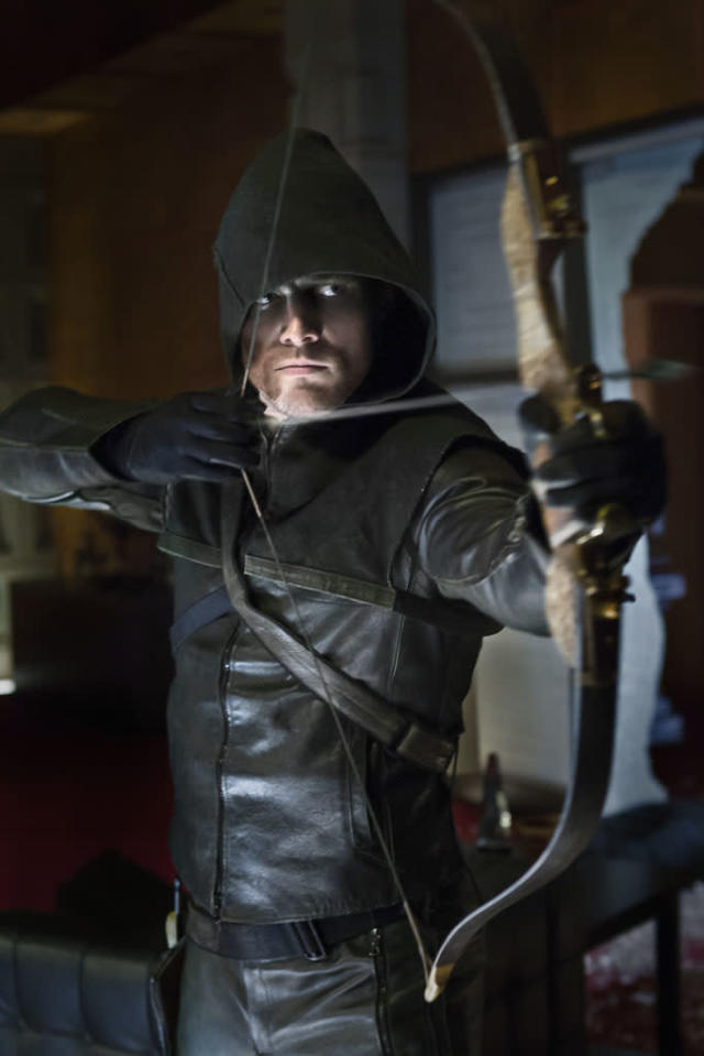 """""""Pilot"""" -- Stephen Amell as Oliver Queen"""