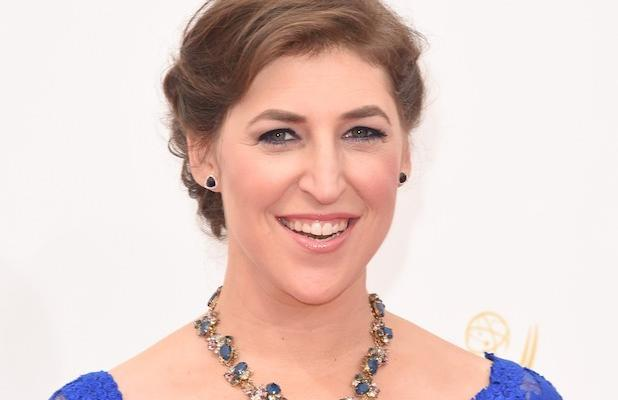 'Big Bang Theory' Star Mayim Bialik Lays it Out in Black and White With Behind-the-Scenes Look