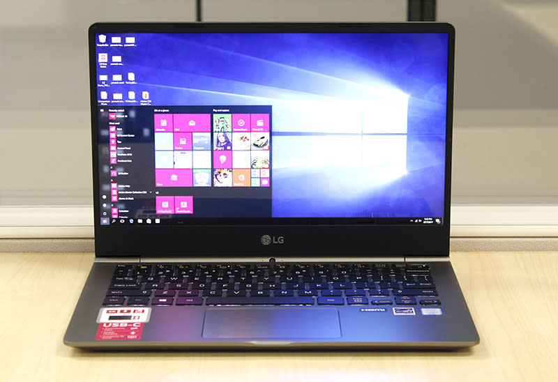 The LG gram 13 is the smallest notebook in the gram lineup. It weighs only 870g!