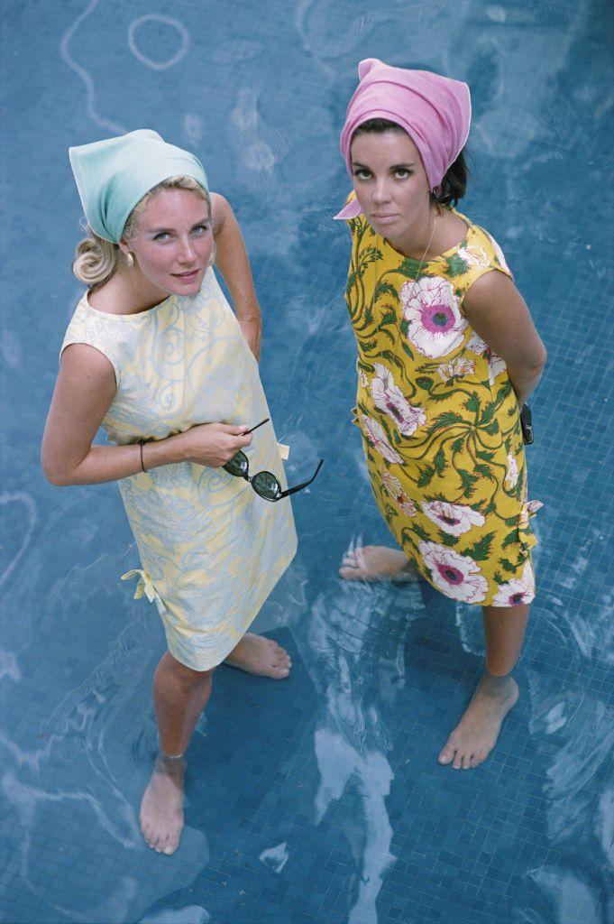 <p>Floral shift dresses and headscarves for a casual day at the pool<br></p>