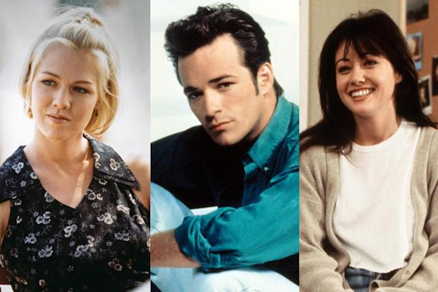 From left, Kelly (Jennie Garth), Dylan (Luke Perry), and Brenda (Shannen Doherty). (Photo: Everett Collection)