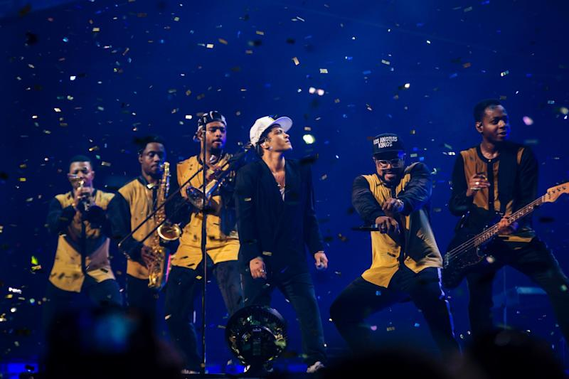 Bruno Mars performs at a sold-out O2 Arena: Florent Dechard