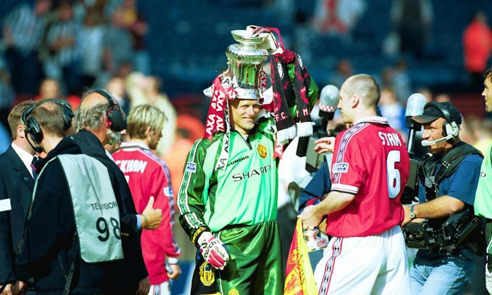 Peter Schmeichel with the FA Cup in 1999