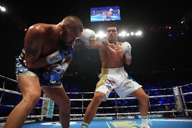 Tony Bellew (L) in action against Oleksandr Usyk during their WBC, WBA, IBF, WBO & Ring Magazine Cruiserweight World Championship bout at Manchester Arena. (Nick Potts/PA Images via Getty Images)