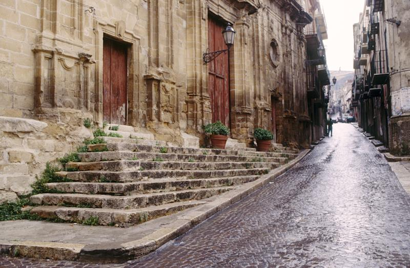 Mafia-Themed Tour in Sicily Angers Residents
