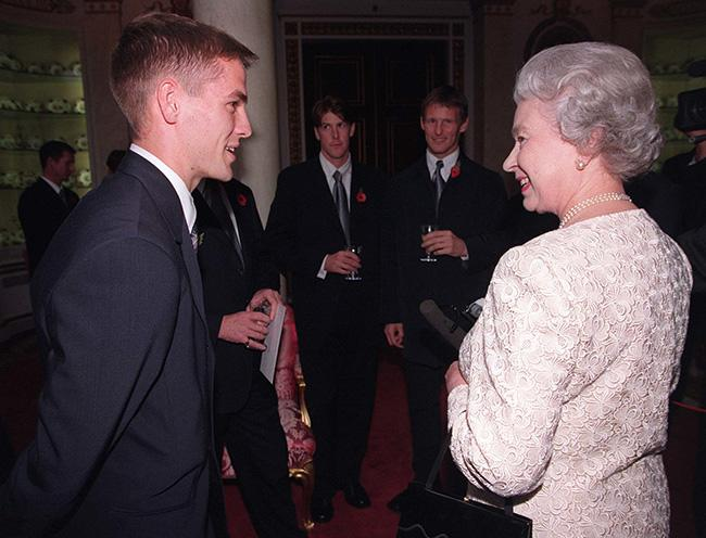 the-queen-and-michael-owen