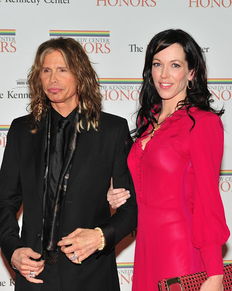 WASHINGTON, DC - DECEMBER 4:  (AFP OUT) Steven Tyler and Erin Brady arrive for the formal artist's dinner for the Kennedy Center Honors at the United States Department of State December 4, 2010 in Washington, D.C. (Photo by Ron Sachs-Pool/Getty Images)