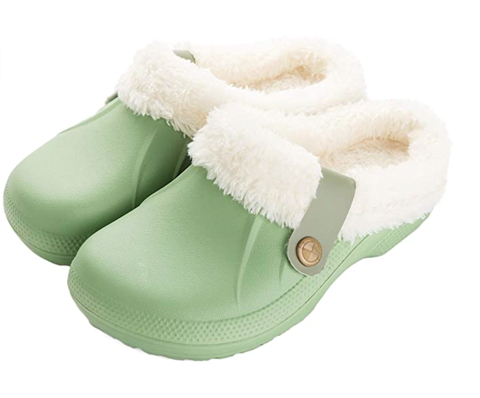 "<br><br><strong>ChayChax</strong> Fur Lined Clogs, $, available at <a href=""https://www.amazon.com/ChayChax-Waterproof-Fur-Lined-Clogs/dp/B07JCFHD1G?th=1"" rel=""nofollow noopener"" target=""_blank"" data-ylk=""slk:Amazon"" class=""link rapid-noclick-resp"">Amazon</a>"
